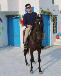 Sumit-Bhyan-riding-horse