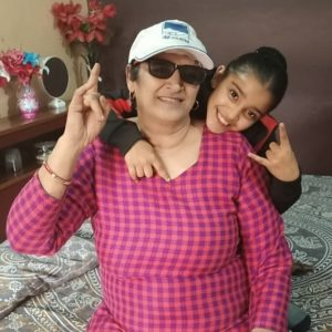 Arshiya-Sharma-with-her-dadi