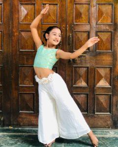 Neerja-Tiwari-Dancing