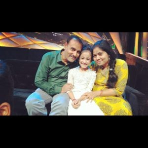 Neerja-Tiwari-with-her-family