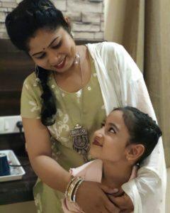 Neerja-Tiwari-with-her-mother