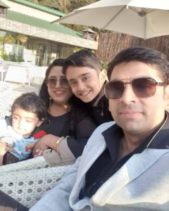 Sanchit-Chanana-with-his-family