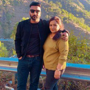 Shehbaz-Badesha-with-his-mother