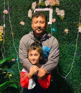 Sprihaa-Kashyap-with-her-dad