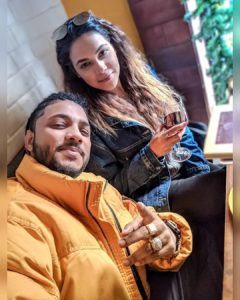 raftaar_with_his_wife